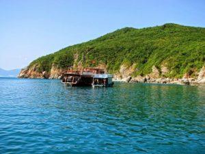 Hòn Một – địa danh không thể không nhắc trong tour 4 đảo Nha Trang